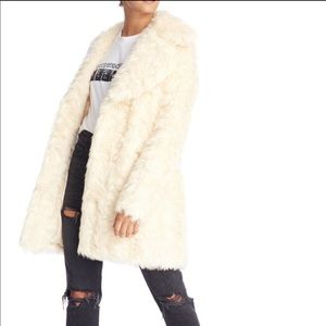 BRAND NEW!! KENDALL&KYLIE: Cream Faux Fur